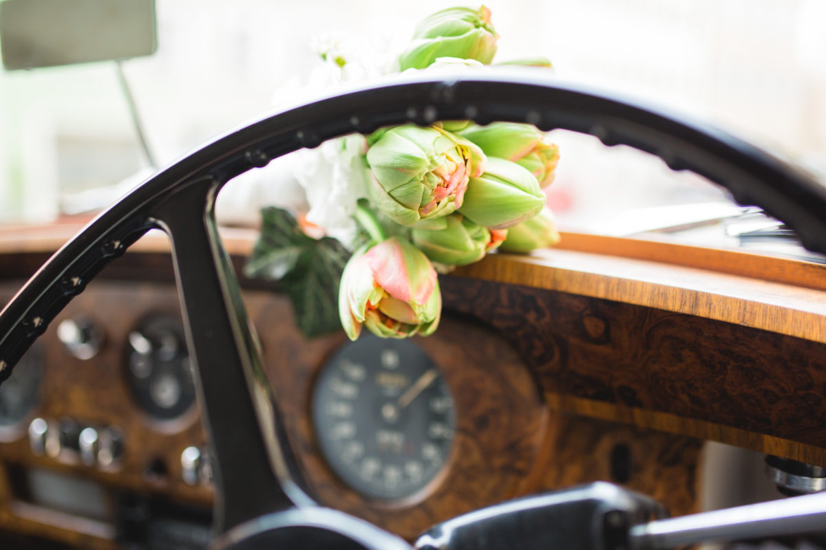 Marketing Tips for Wedding Photographers, Wedding, roses, vintage car